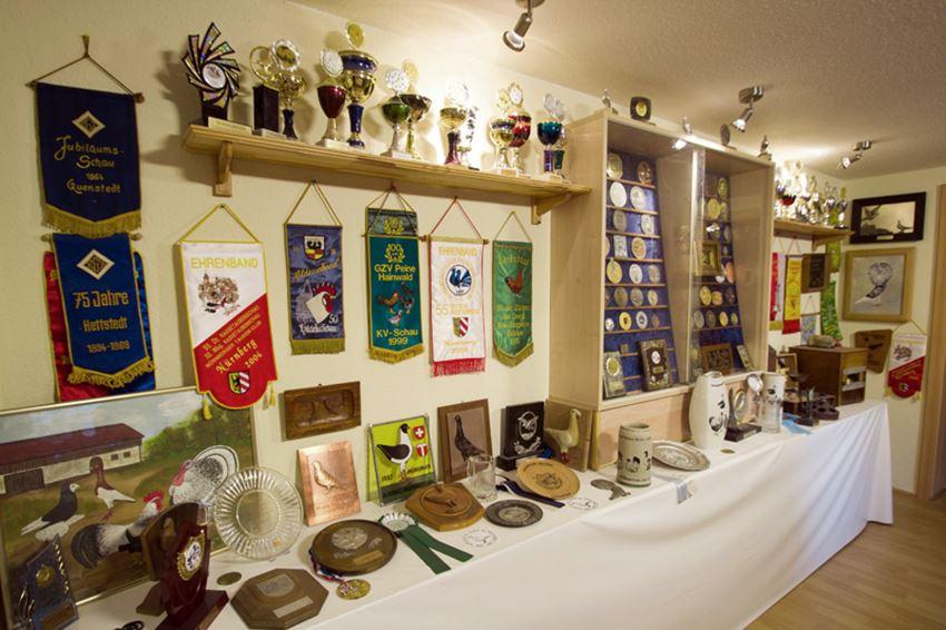 Ausstellung von Pokalen und Auszeichnungen
